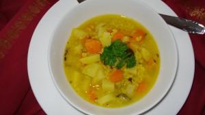 Mungdalsuppe mit Zimt und Ingwer